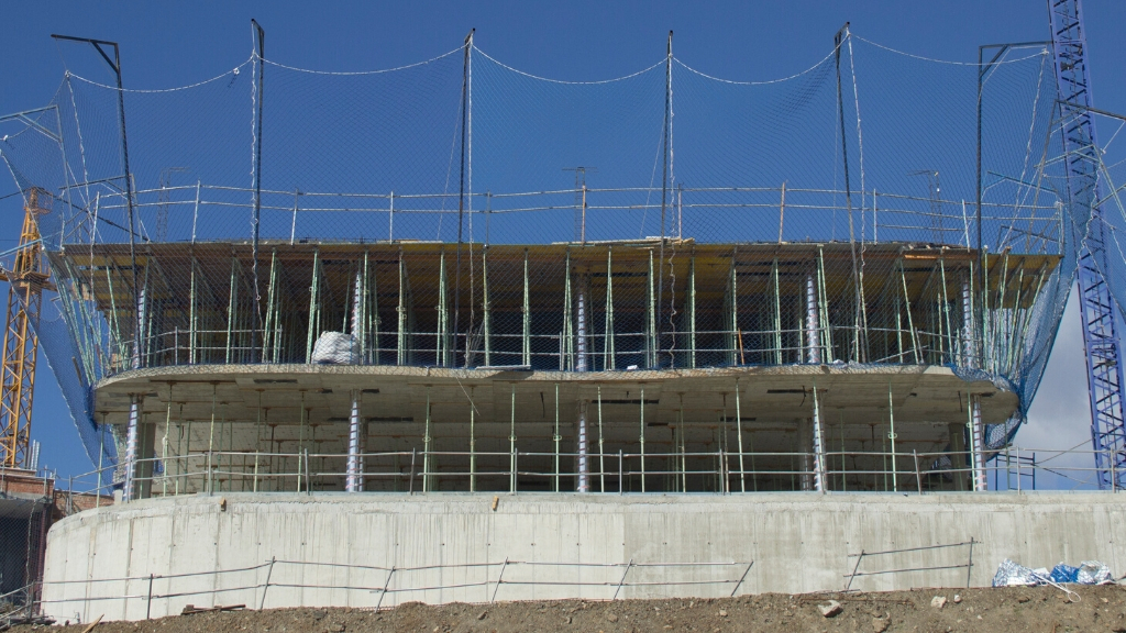 Phase IV - 2020 06 Structure rising in block 44