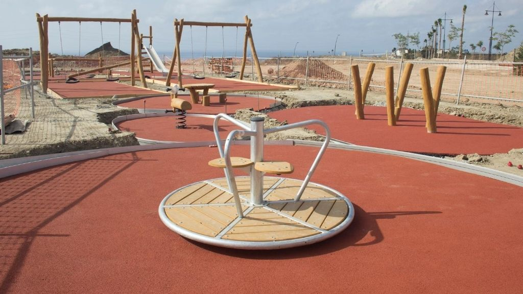 Urbanisation - 2020 08 The first playground elements have been installed
