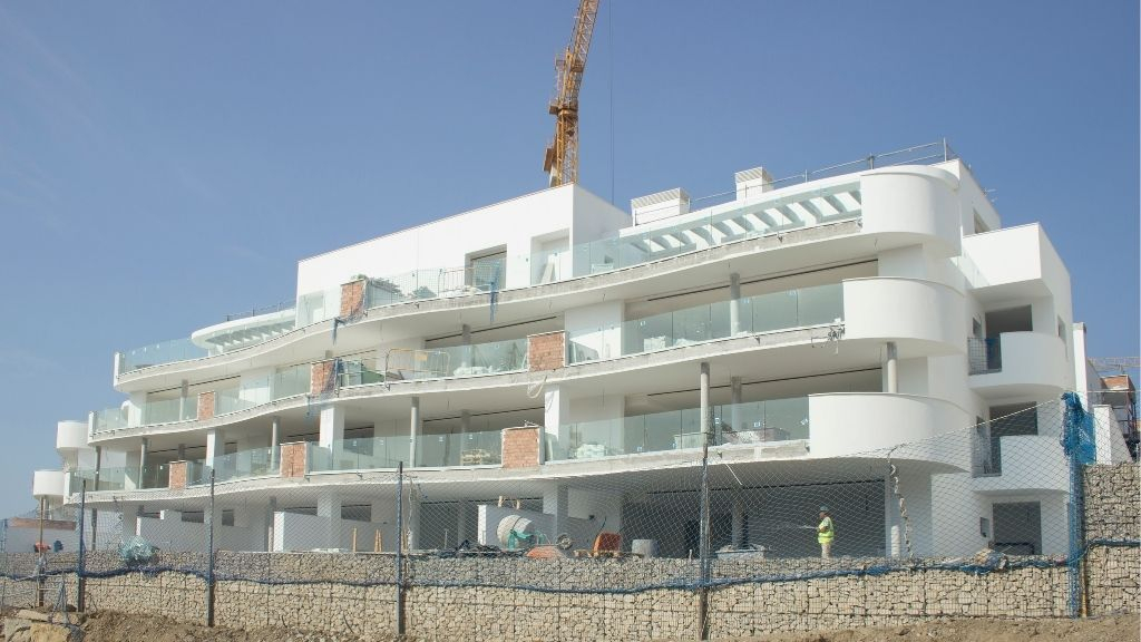Phase III - 2020 10 Glass balustrades now installed in Blocks 33 and 34