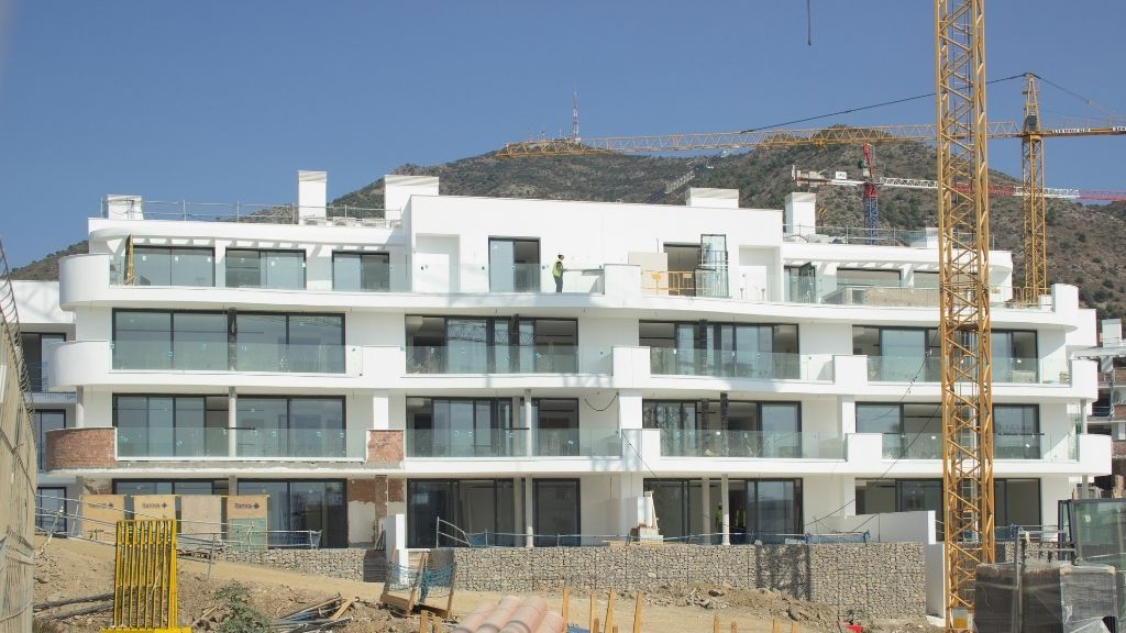 Phase III - 2020 10 Sliding doors are installed on the terraces of Blocks 37 and 38