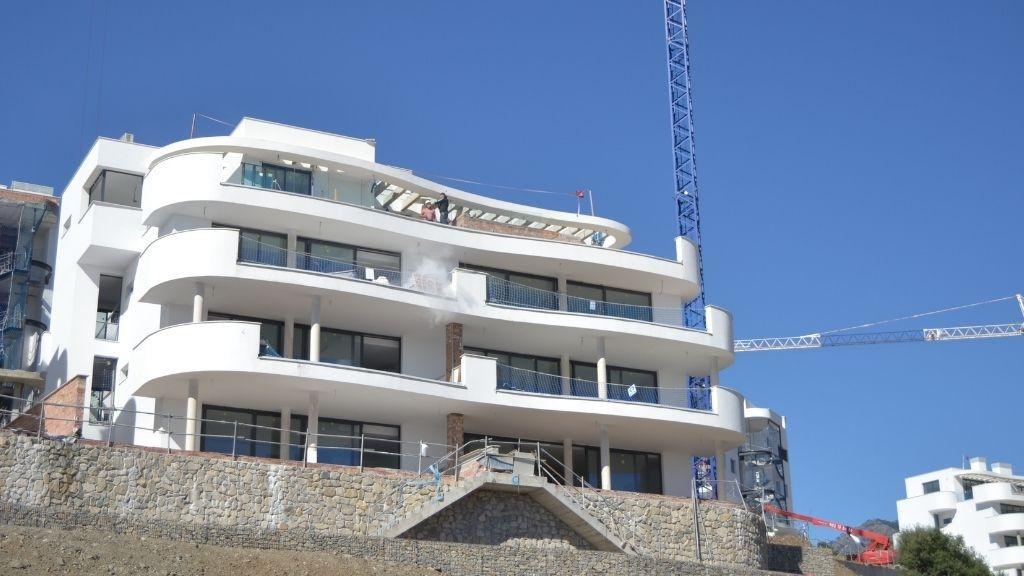 Phase IV - 2021 03 Progress at Sky Villa level in Block 46