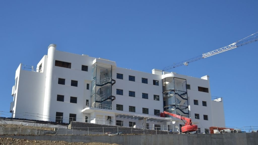 Phase IV - 2021 03 Windows being installed in Blocks 49 and 50