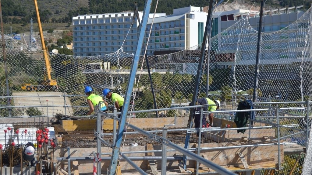 Phase VI - 2021 03 Preparing for cement to be poured at Sky Villa level
