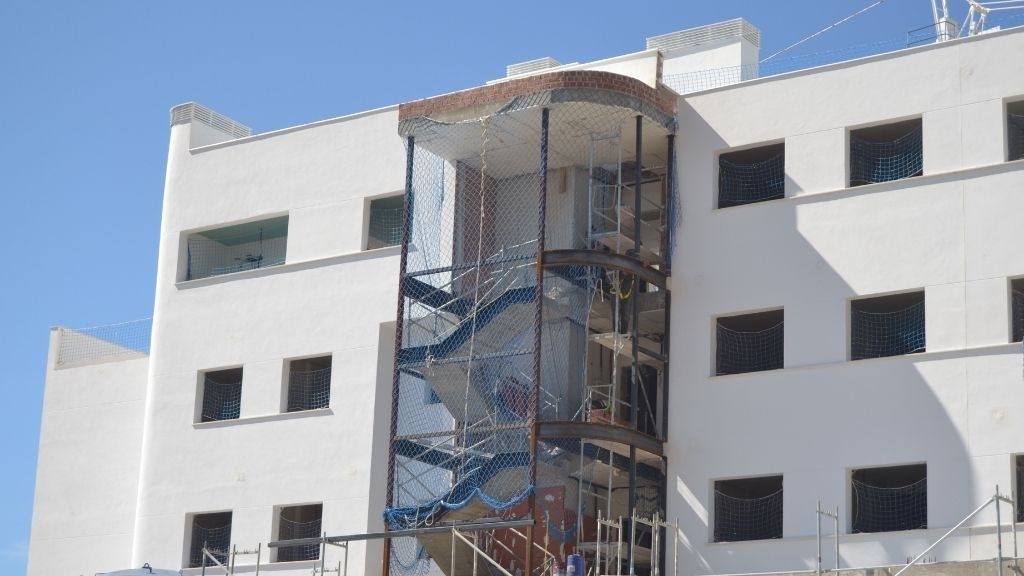 Phase V - 2021 04 Work advances on the stairwell in Block 56