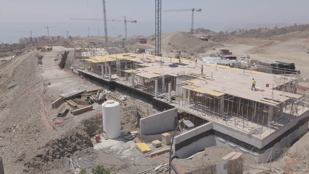 Phase II - 2019 06 - The structures for blocks 13 and 14 are going up